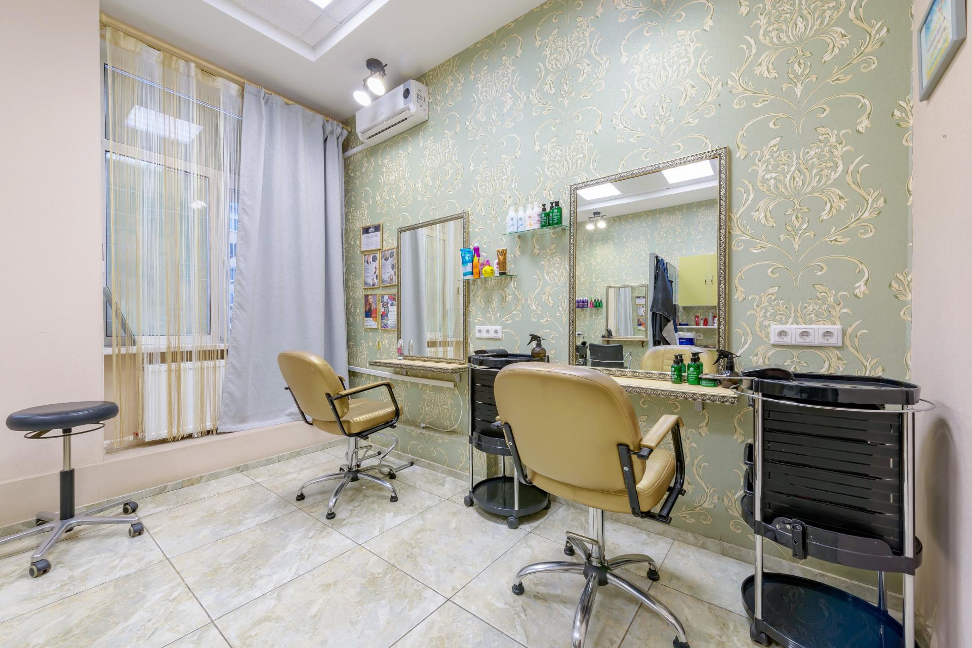 Салон красоты UA-studio на Пушкинской улице
